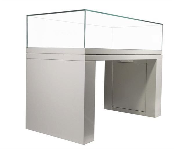 Display case with high security glass top