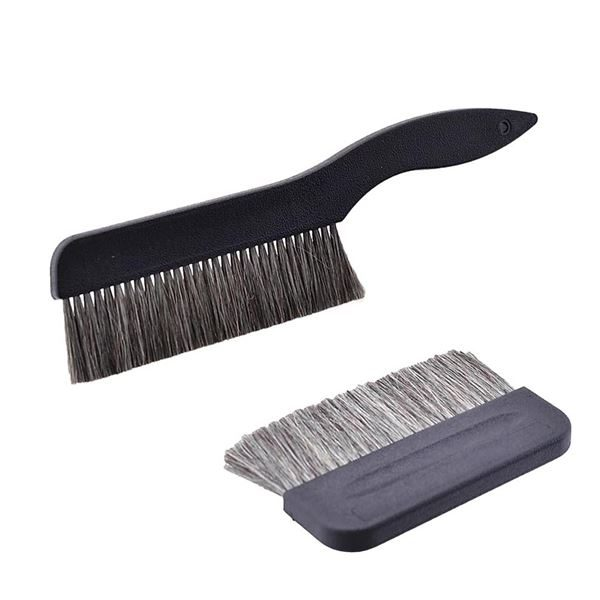 Antistatic cleaning brushes