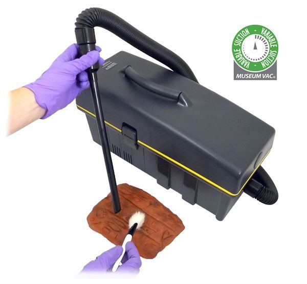 Museum Vac with variable suction